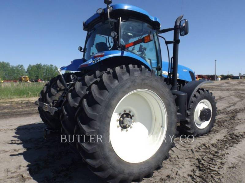 NEW HOLLAND TRACTORES AGRÍCOLAS T7.235 equipment  photo 3