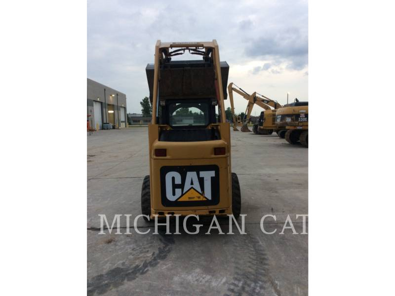 CATERPILLAR SKID STEER LOADERS 226B2 equipment  photo 17