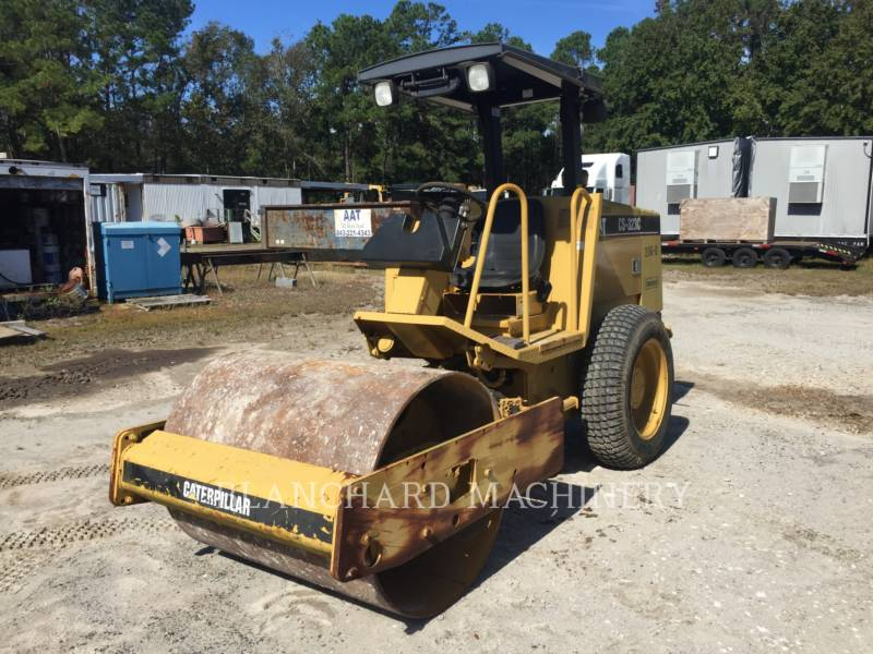 CATERPILLAR VIBRATORY SINGLE DRUM SMOOTH CS-323C equipment  photo 2