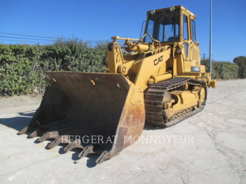 CATERPILLAR CHARGEURS SUR CHAINES 963 equipment  photo 6
