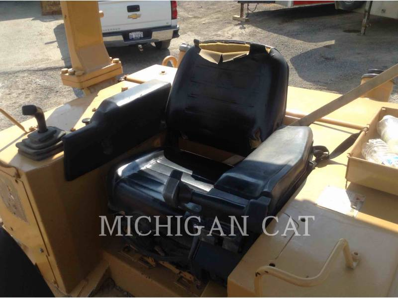CATERPILLAR TRACTORES DE CADENAS D5ML equipment  photo 5