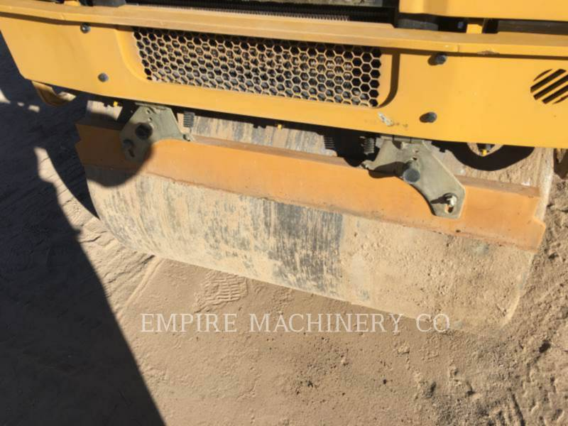 CATERPILLAR COMPACTEURS TANDEMS VIBRANTS CB22B equipment  photo 9