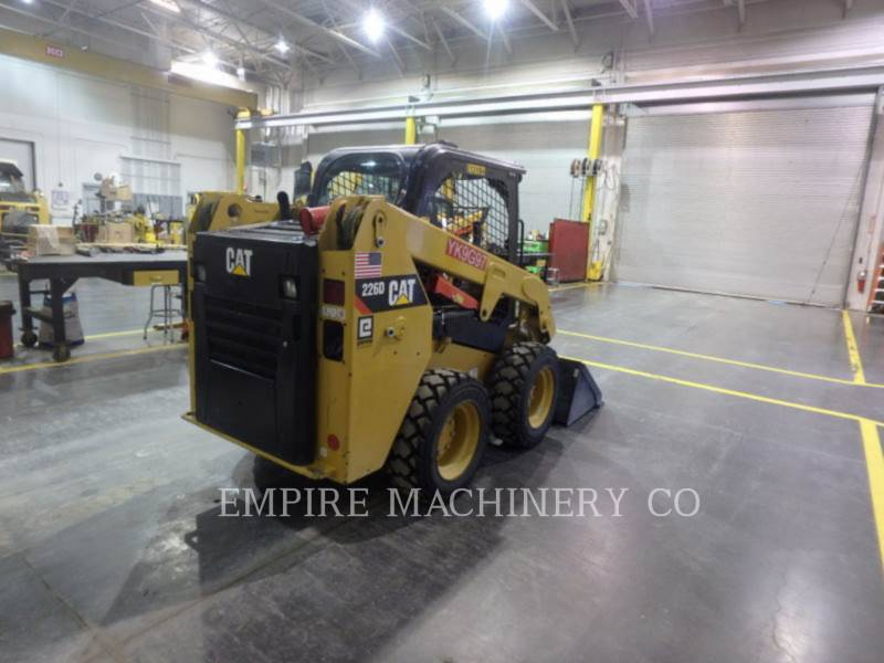 CATERPILLAR CHARGEURS COMPACTS RIGIDES 226D equipment  photo 2