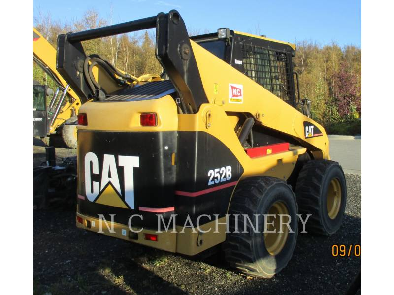 CATERPILLAR SKID STEER LOADERS 252B equipment  photo 3
