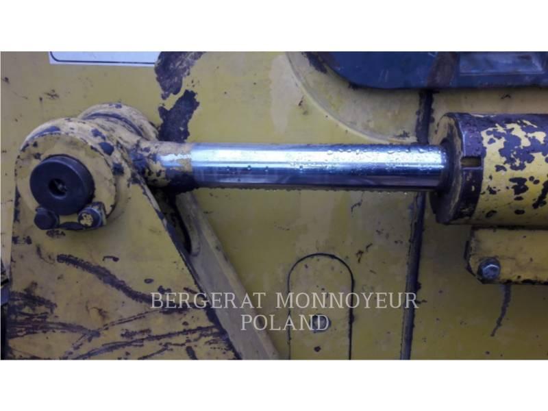 KOMATSU TRACTORES AGRÍCOLAS D61P X15 equipment  photo 14