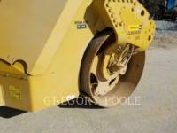 CATERPILLAR VIBRATORY DOUBLE DRUM ASPHALT CB-54 equipment  photo 19