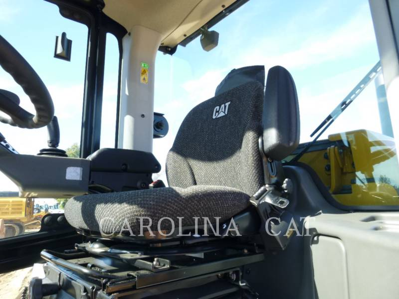 CATERPILLAR COMPACTEUR VIBRANT, MONOCYLINDRE LISSE CS64B CB equipment  photo 7