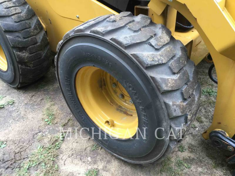 CATERPILLAR CHARGEURS COMPACTS RIGIDES 262D equipment  photo 21