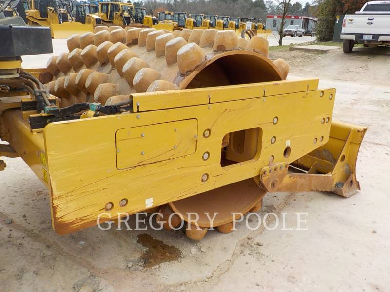 CATERPILLAR VIBRATORY SINGLE DRUM PAD CP-56B equipment  photo 17