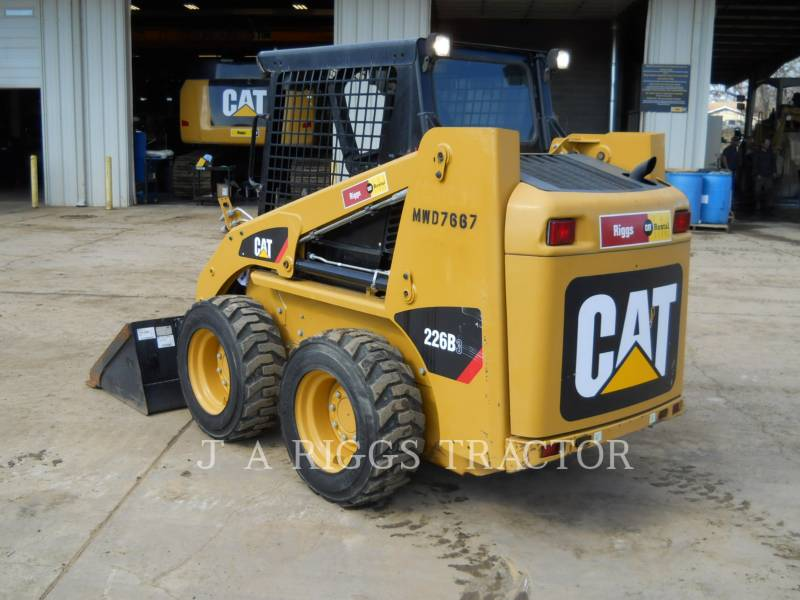 CATERPILLAR CHARGEURS COMPACTS RIGIDES 226B equipment  photo 6