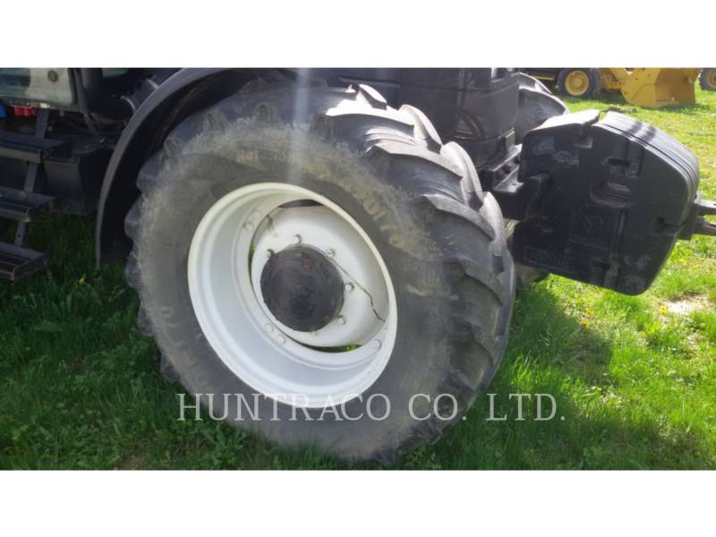 NEW HOLLAND LTD. TRACTORES AGRÍCOLAS TS115 equipment  photo 8