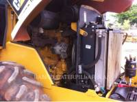 CATERPILLAR COMPACTEUR VIBRANT, MONOCYLINDRE LISSE CS-423E equipment  photo 12