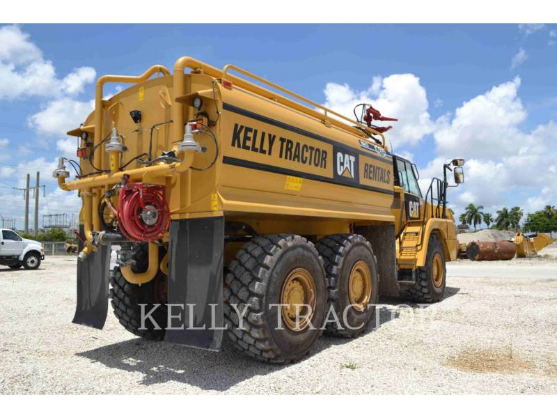 CATERPILLAR CAMIONS CITERNE A EAU 725C equipment  photo 3