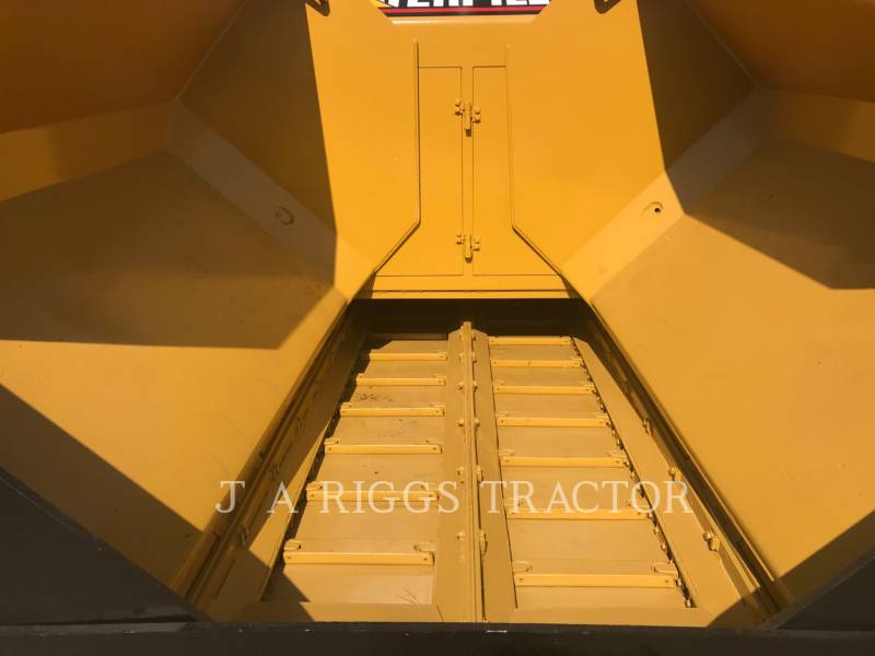 CATERPILLAR ASPHALT PAVERS AP-655C equipment  photo 8