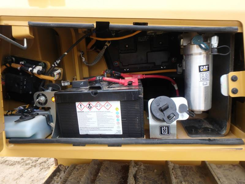 CATERPILLAR TRACK TYPE TRACTORS D6K2LGP equipment  photo 18