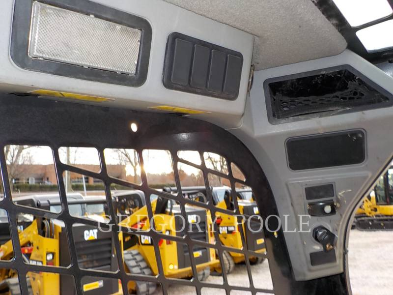 CATERPILLAR SKID STEER LOADERS 236D equipment  photo 23