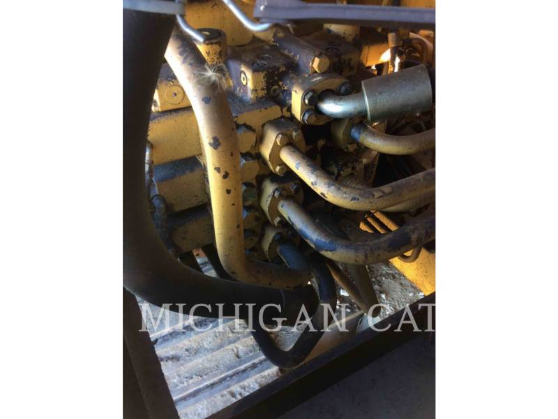 CATERPILLAR ESCAVADEIRAS 235B equipment  photo 18