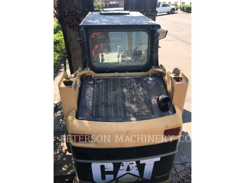 CATERPILLAR PALE COMPATTE SKID STEER 226B equipment  photo 3
