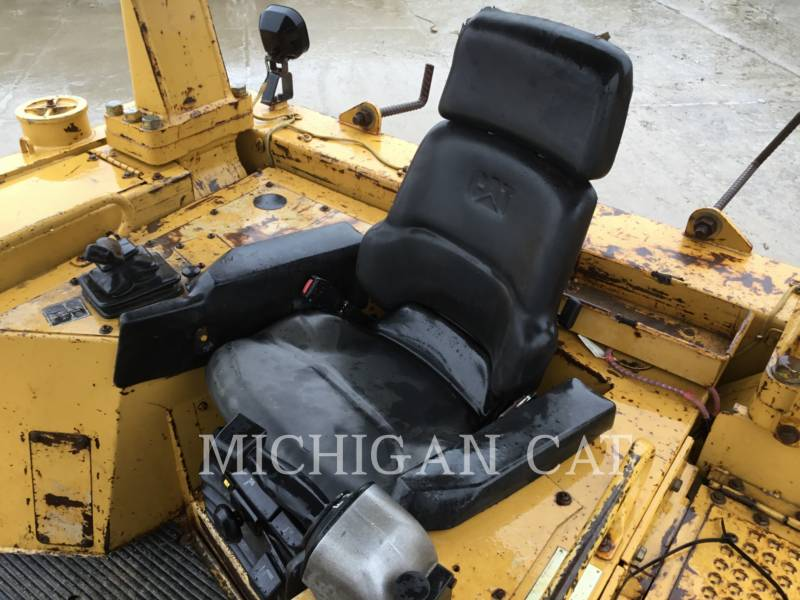 CATERPILLAR CIĄGNIKI GĄSIENICOWE D6RL equipment  photo 5
