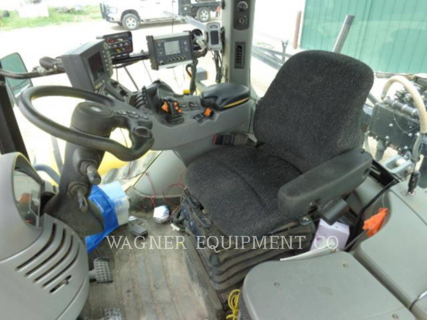 Detail photo of 2004 AGCO MT765 from Construction Equipment Guide