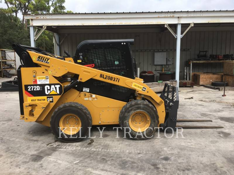 CATERPILLAR SKID STEER LOADERS 272D2 equipment  photo 6
