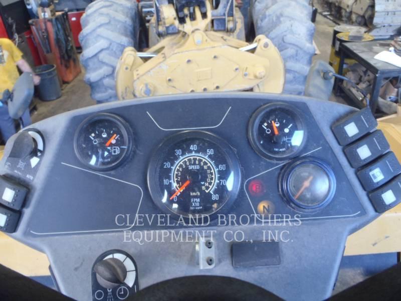 CATERPILLAR COMPACTEURS TANDEMS VIBRANTS CB64 equipment  photo 3