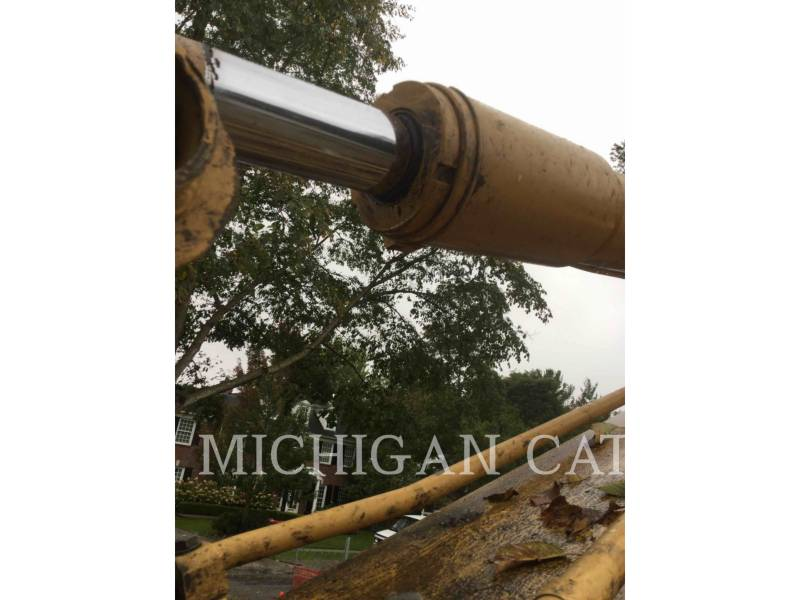 CATERPILLAR TRACK EXCAVATORS 307C equipment  photo 15