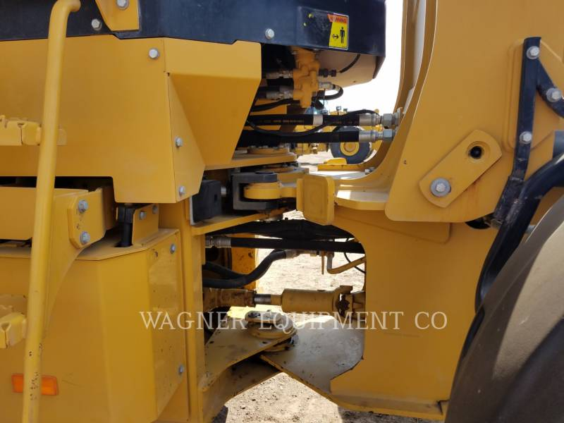 CATERPILLAR PALE GOMMATE/PALE GOMMATE MULTIUSO 924HZ equipment  photo 15