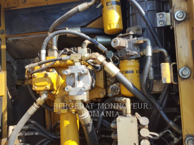 CATERPILLAR KETTEN-HYDRAULIKBAGGER 323DS equipment  photo 5