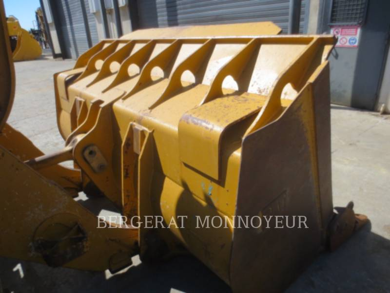 CATERPILLAR CARGADORES DE CADENAS 963D equipment  photo 11