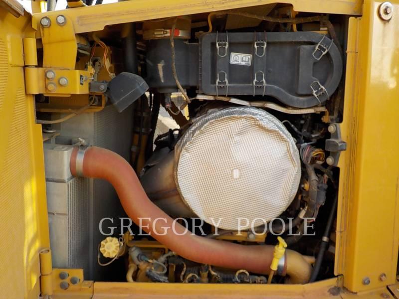 CATERPILLAR TRACK TYPE TRACTORS D6T XL equipment  photo 15