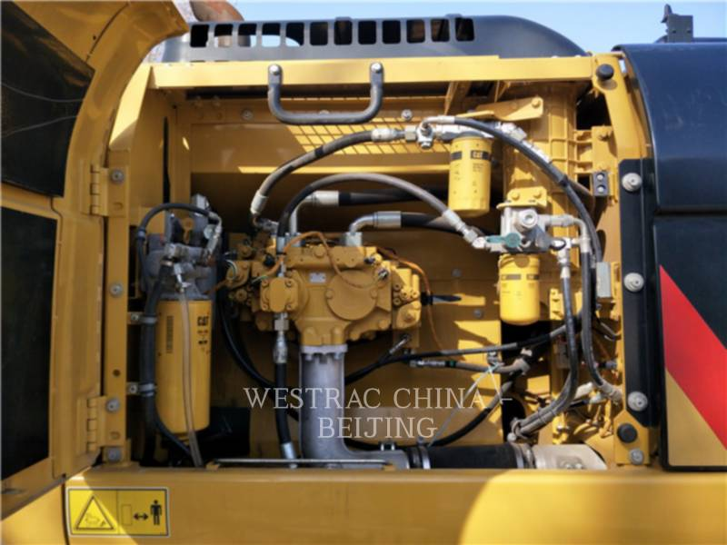 CATERPILLAR KETTEN-HYDRAULIKBAGGER 326D2L equipment  photo 13