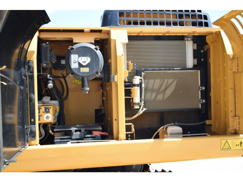 CATERPILLAR トラック油圧ショベル 320 D 2 GC equipment  photo 16