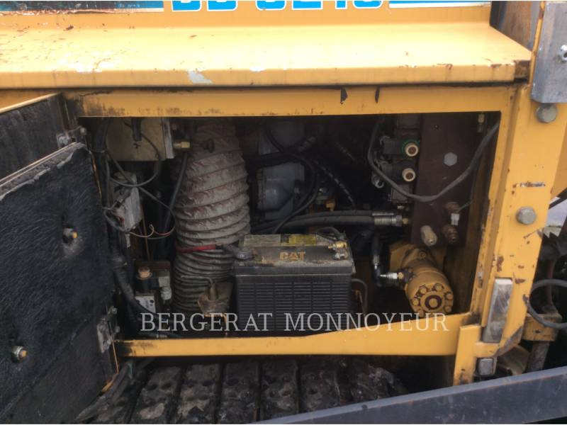 CATERPILLAR ASPHALT PAVERS BB621 equipment  photo 7