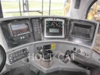 CATERPILLAR WHEEL TRACTOR SCRAPERS 621H equipment  photo 17