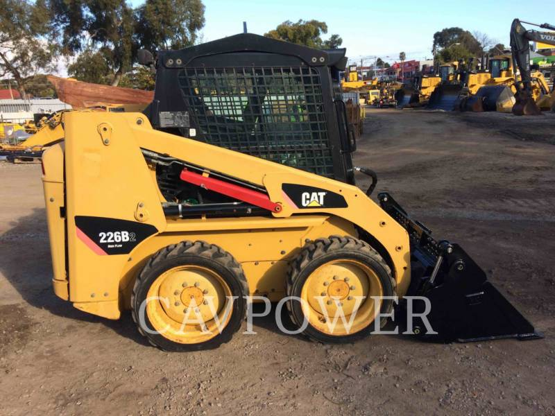 CATERPILLAR MINICARGADORAS 226B2 equipment  photo 18