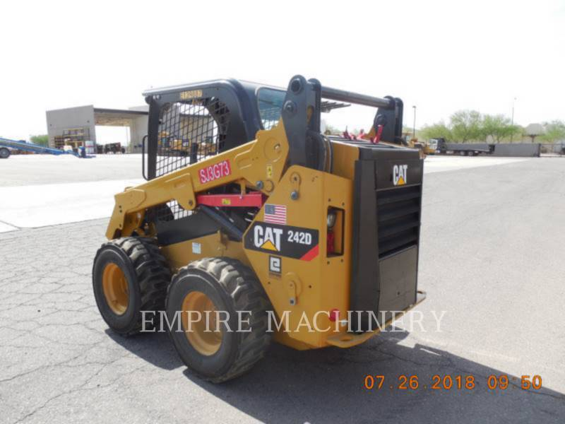 CATERPILLAR PALE COMPATTE SKID STEER 242D equipment  photo 3