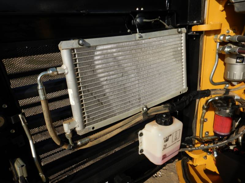 CATERPILLAR CARGADORES MULTITERRENO 299D2 equipment  photo 22