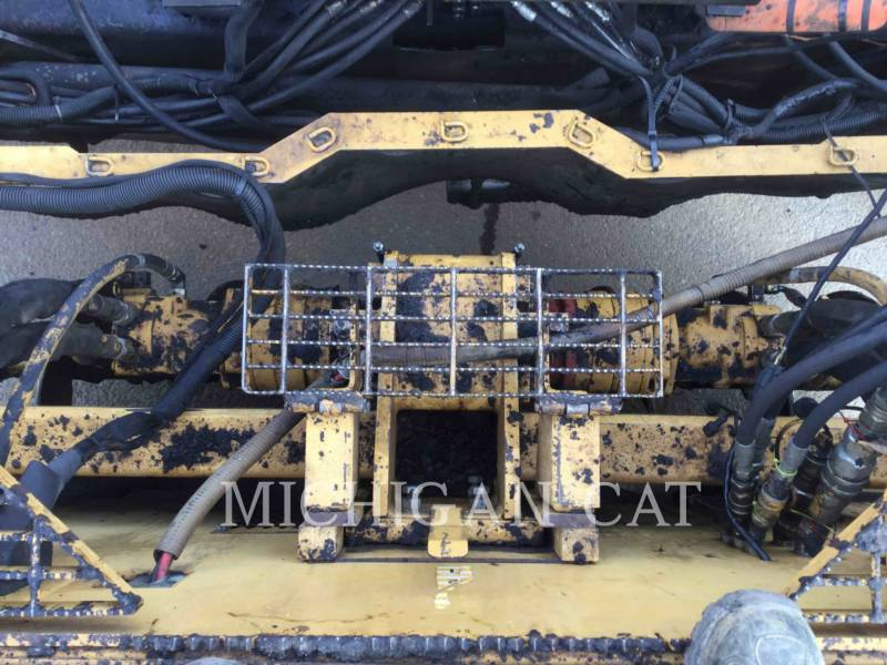 CATERPILLAR ASPHALT PAVERS AP1055D equipment  photo 15