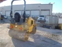 CATERPILLAR COMPACTEURS CB32B equipment  photo 3