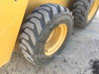 CATERPILLAR PALE COMPATTE SKID STEER 226D equipment  photo 9