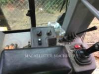 CATERPILLAR TRACK TYPE TRACTORS D5G equipment  photo 12
