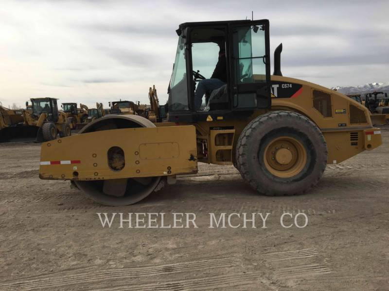 CATERPILLAR COMPACTEURS MIXTES CS74 equipment  photo 3