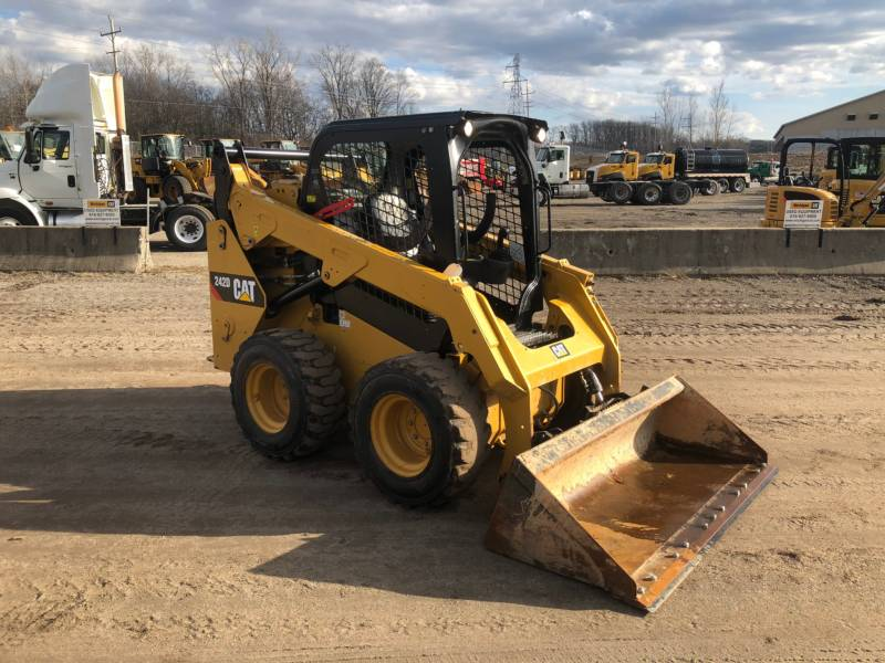 CATERPILLAR CHARGEURS COMPACTS RIGIDES 242D equipment  photo 7