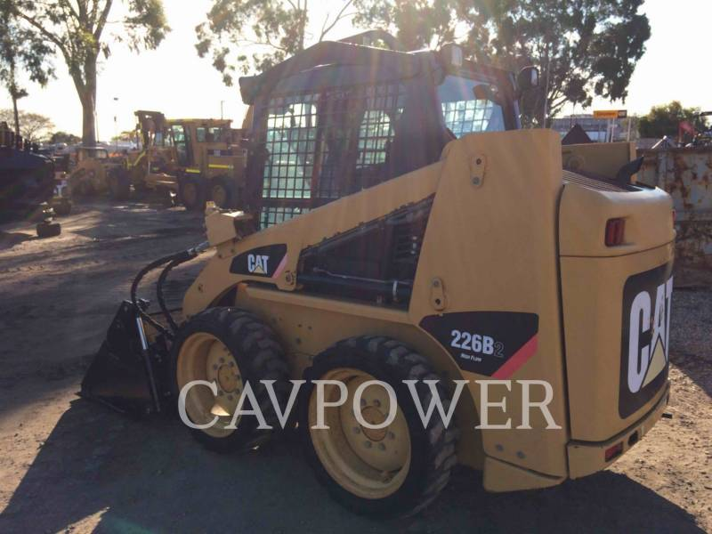 CATERPILLAR MINICARGADORAS 226B2 equipment  photo 4
