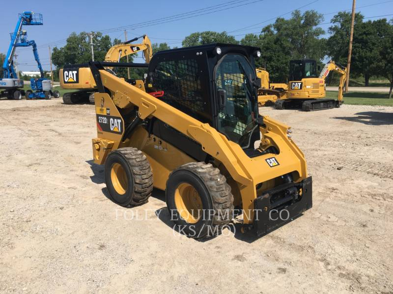 CATERPILLAR PALE COMPATTE SKID STEER 272D2 equipment  photo 2