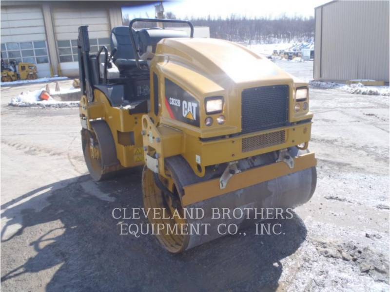 CATERPILLAR COMPACTADORES CB32B equipment  photo 2