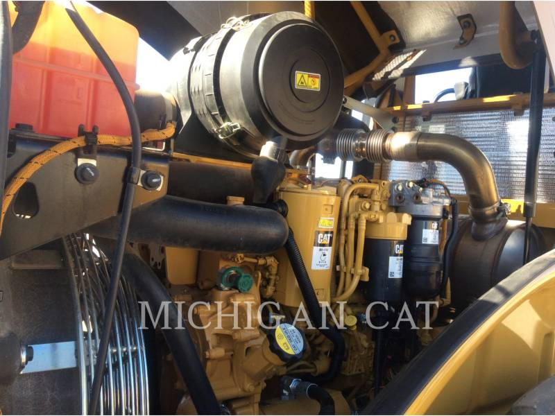 CATERPILLAR VIBRATORY SINGLE DRUM SMOOTH CS54B equipment  photo 10