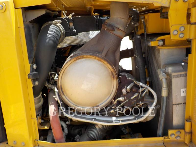 CATERPILLAR TRACK TYPE TRACTORS D6T XL equipment  photo 17