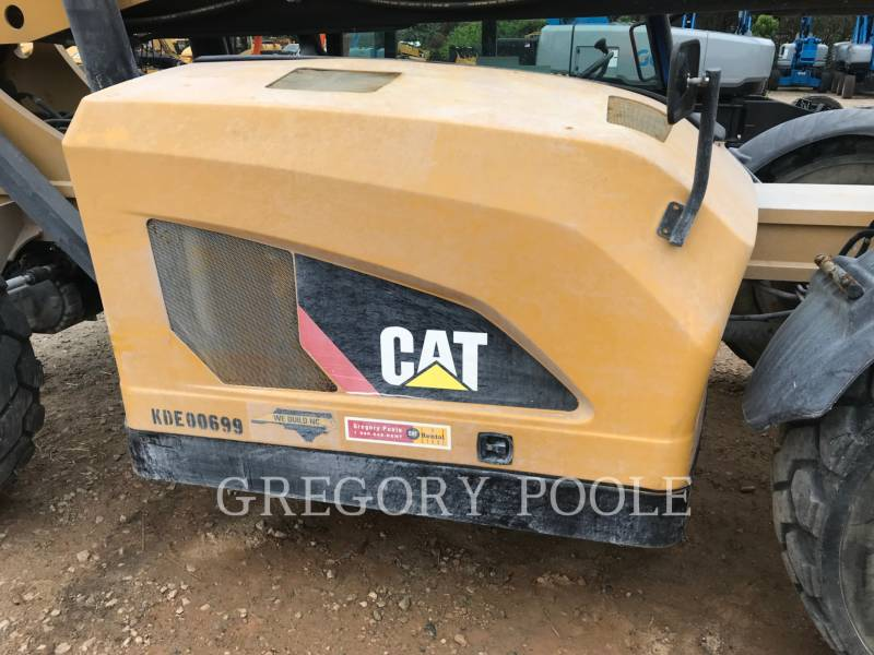 CATERPILLAR TELEHANDLER TL1055C equipment  photo 18